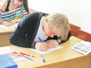 Рьянов Сергей на занятии по Го и Стратегии